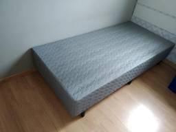 Vende-se 2 box para cama de solteiro 88x1,88 e cabeceiras
