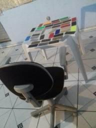 Mesinha+cadeira giratória