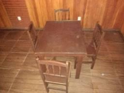 10 Jogos de mesa com tampa de vidro e 4 cadeiras