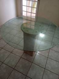 Mesa de marmore com vidro