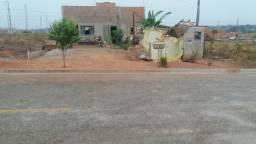 vende-se está casa no loteamento Rosa Bororo proximo do senai e policia militar