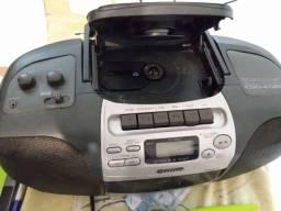 Aiwa cd player com radio excelente
