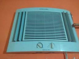 Ar condicionado 7.500 BTUs Electrolux 220