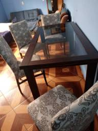 Mesa de madeira tampo de vidro 1 70 de comp por86 de larg 4 cadeiras