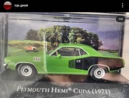Miniatura American Cars Plymouth Hemi Cuda 1971 + fascículo
