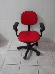 Vendo linda cadeira executiva top pra estudos .