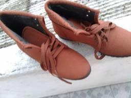 Sapato estilo bota