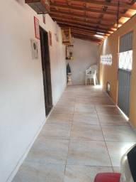 Vende se casa em Aracoiaba