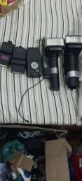 Flashes para câmeras fotográficas  *