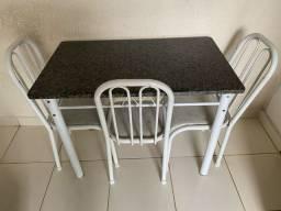 Mesa 3 cadeiras