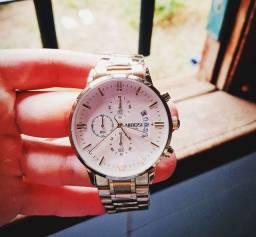 (OFERTA) Relógio Nibosi fundo Branco