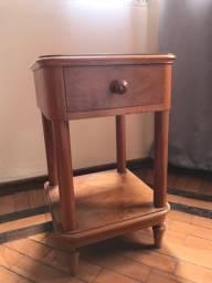 Mesa de cabeceira