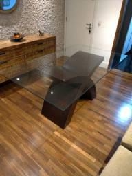 Mesa 6 lugares base em X 1.60x0.95x0.80, tampo em vidro.