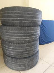 Pneus 225 55 R18 Pirelli usados.