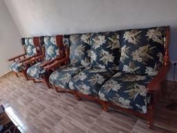 jogo de sofá de madeira maciça R$1100