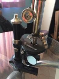 Microscópio alemão da marca  E. Leitz Wetzlar (1907)