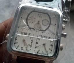 Relógio Multi horas