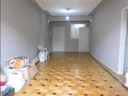 Apartamento com 03 dormitórios no bom fim
