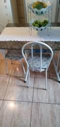 Troco mesa de 4 cadeiras por uma de 6 cadeiras