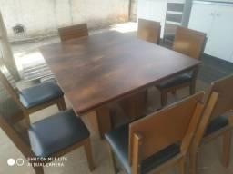 Mesa com 7 cadeiras (entrego)