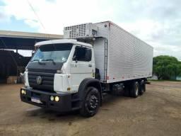 Caminhão truck frigorífico - 2002