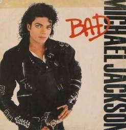 Vendo dois discos vinil do Michael jackson