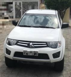 Vendo Mitsubishi L200 Triton - 2015