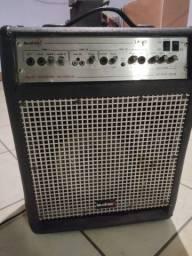 Caixa acústica amplificada