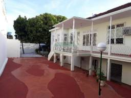 Alugo Casa com 5 dormitórios no Centro - R$ 8.000