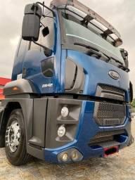 Ford Cargo 2842 automático - 2013