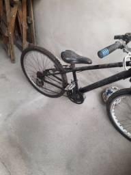 Vendo bike aro 24 nova só colocar garupa e andar