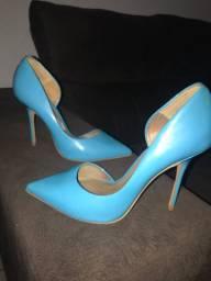 Vendo este salto azul, Kazar Italiano, por R$ 50 reais!