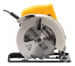 """Serra Circular 7-1/4"""" (184mm) 1.400W DWE560 Dewalt 127V"""