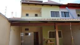 Casa - Faicalville - 3Q,1S,1B, 2G - Constr: 160m² - Terren: 210m² - IPTU:R$ 56,00/Mês
