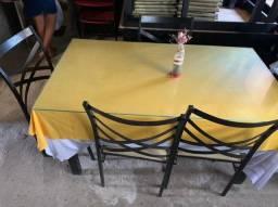 Título do anúncio: Mesas e estufas. 400,00