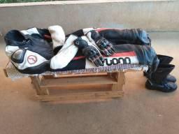 Macacão/luvas/bota  para moto esportiva