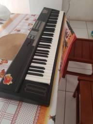 Kurzweil sp 76 aceito troca por teclados