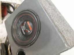 Vendo caixa com sub bomber bicho papão 600w Rms, bobina 4ohms ... filezinho sem detalhes