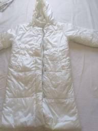 Casaco de frio encapuçado com bolsos