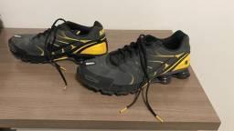Nike shox amarelos