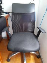 Cadeira Diretor com braços reguláveis