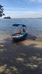 Barco de fibra casco duplo