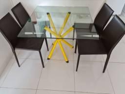 [ Vendo ] linda Mesa Vidro com 4 cadeiras de couro