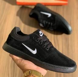 Vendo tênis nike camurça e Sapatenis Nike ( 120 com entrega)