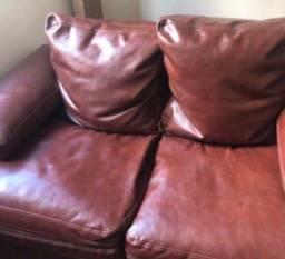 Sofá em couro ecológico