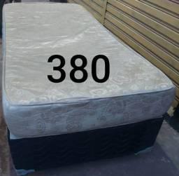 Vendo cama box de solteiro usada e cômoda de madeira