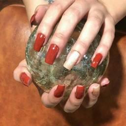 Manicure unhas tradicionais.