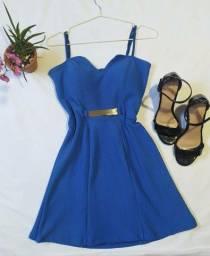 Vestido curto rodado