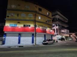 Título do anúncio: Alugo lojão/ponto comercial na av. Maruípe. Local excelente. Confira!