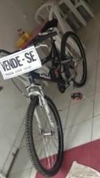 Bicicleta super conservada e revisada!